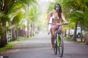 p Scott-Alexander-Surfer-Girl-Nataly-Bernold-01