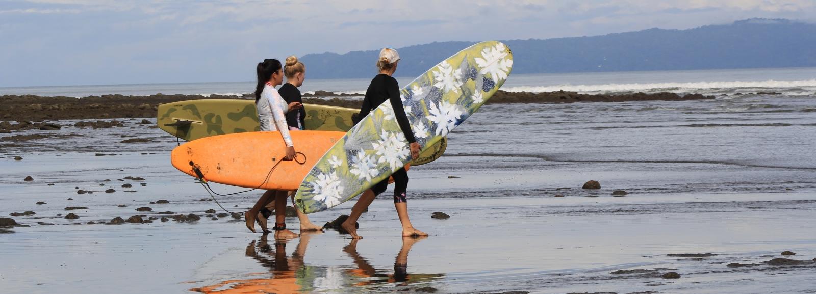 holly beck, surf coach, Pavones, Costa Rica, women,